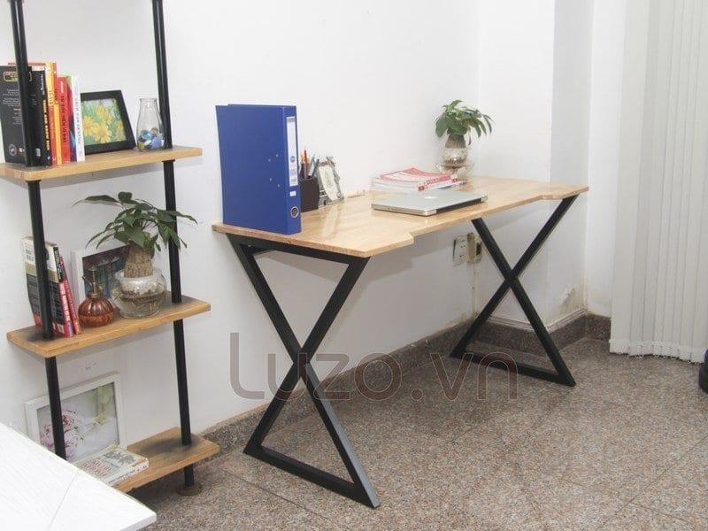 Ban-lam-viec-don-gia-hien-dai-xperia-desk-1