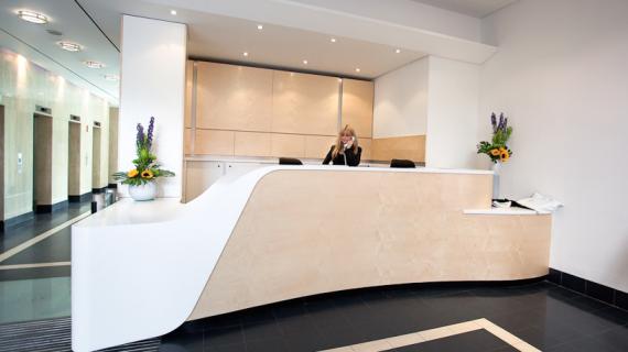 Tư vấn thiết kế bàn quầy lễ tân ngân hàng đẹp chất lượng