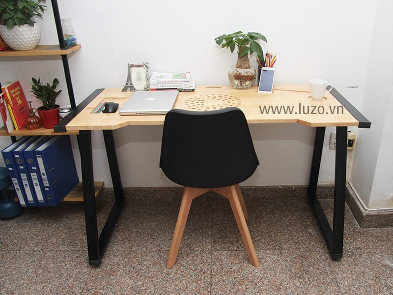 Happy-Play-Desk-2