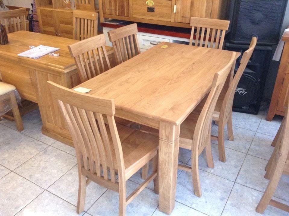 bộ bàn ăn được thiết kế đẹp và bền bỉ