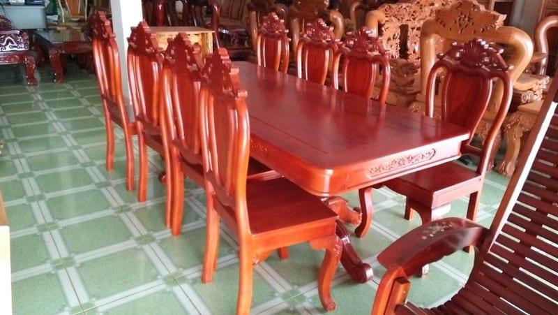 bộ bàn ăn 8 ghế với chất liệu gỗ hiện đại