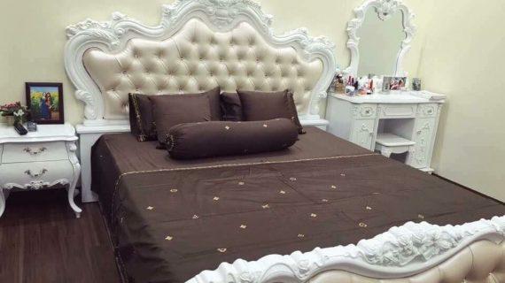 Giá giường gỗ cao cấp thiết kế Châu Âu sang trọng