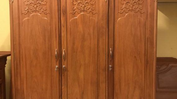 Giá tủ quần áo gỗ gụ trung bình trên thị trường năm 2019