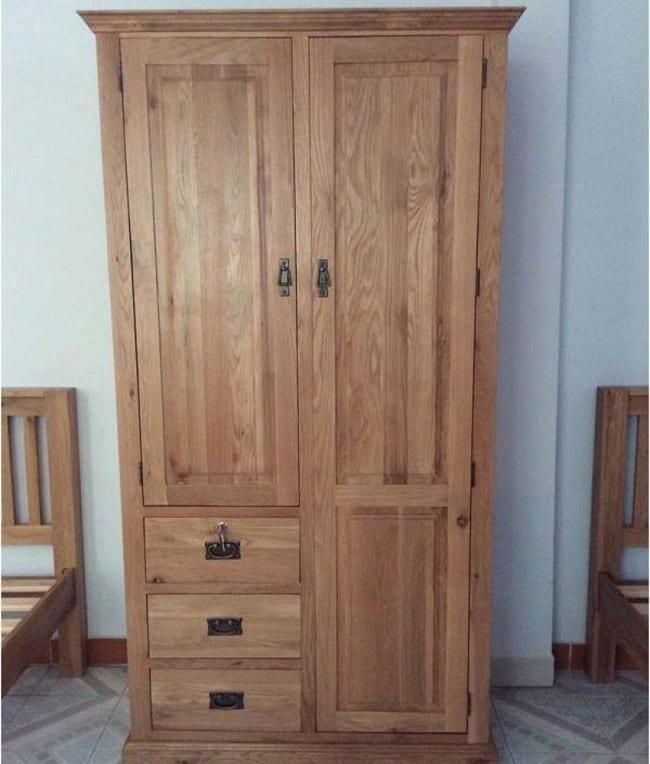 tủ quần áo được thiết kế từ chất liệu gỗ sồi tốt nhất