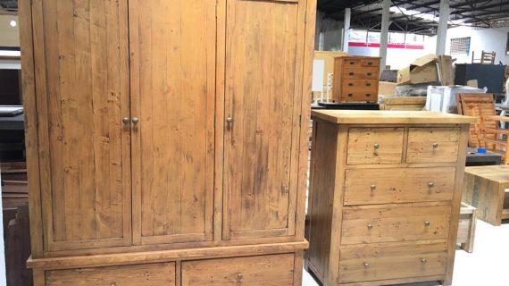 Giá tủ quần áo gỗ thông trung bình trên thị trường năm 2019